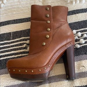 Ugg boot size 9